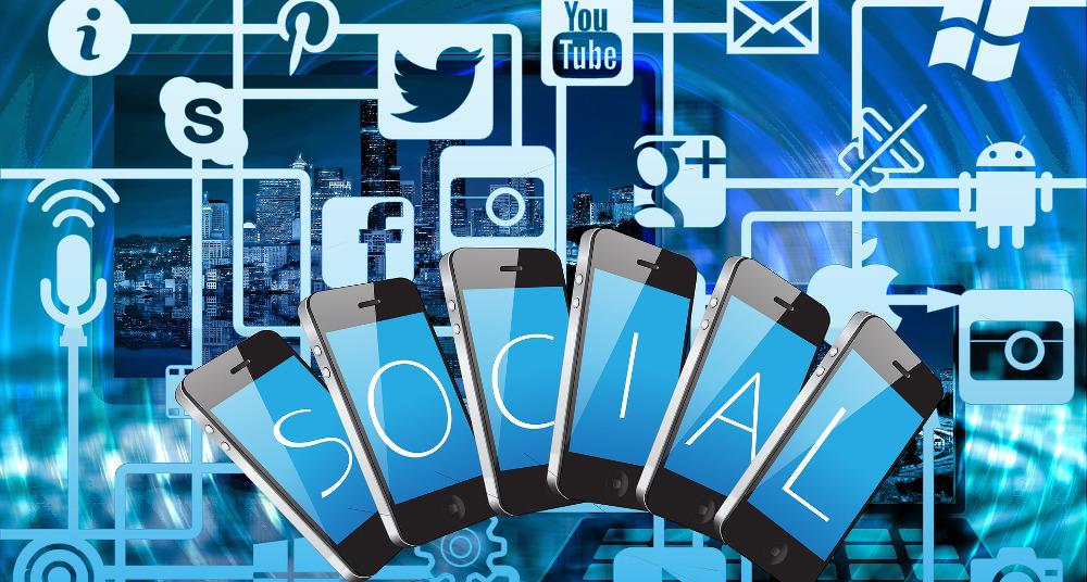 Customer Base Social Media